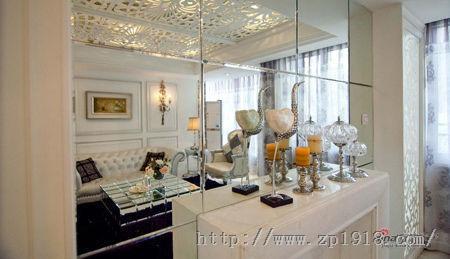 138平简欧复式创新装修 客厅镜面扩空间