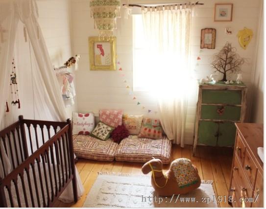 粉嫩嫩女孩婴儿房 洋溢幸福温暖气息