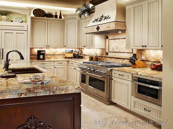 别空间凌乱的厨房