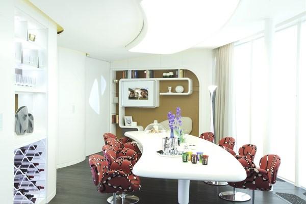 深色地板现代简约风格 圣彼得堡公寓设计